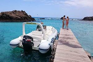 Servicio de water taxi a Isla de Lobos